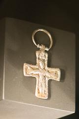 Viking cross (quinet) Tags: 2017 canada ontario rom royalontariomuseum toronto vikings 124