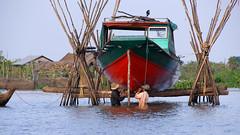 06-11-08 Laos-Camboya Siem Reap (35) R01 (Nikobo3) Tags: asia camboya cambodia siemreap lago lagotonlesap tonlesaplake agua culturas travel viajes nikon nikond200 d200 nikondx182003556vr nikobo joségarcíacobo social