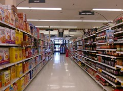 Aisle 7, and a view of the front at the Jackson TN Kroger (l_dawg2000) Tags: 90s classic dairy deli food formerneonstore formerwannabeneonstore groceries jacksontn kroger labelscar madisoncounty meats milk millenniumdécor pharmacy produce tennessee tn uscan jackson unitedstates usa