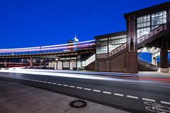 Baumwall II (Kai-Uwe Klauss) Tags: baumwall hamburg nacht sommer ubahn nachts nachtfotografie langzeitbelichtung wischeffekt verkehr strasen stadtlandschaft stahlkonstruktion