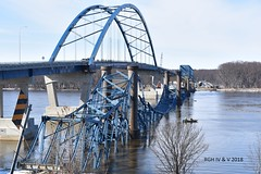 Out With The Old, In With The New (R.G. Five) Tags: mississippi savanna sabula bridge old new river