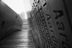 Urban candid. (35mm)   Ilford FP4 Plus 125. (samuel.musungayi) Tags: 35mm film 24x36 135 argentique analog pellicule pelicula negativo negative négatif scan monochrome mono ilford fp4 plus 125 samuel samuelmusungayi musungayi photography photographie fotografia candid urban life light noir noiretblanc black blanc white blackandwhite street rue rotterdam