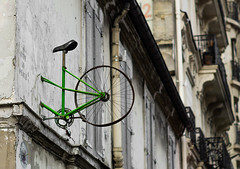 Raté. (Adrien GOGOIS) Tags: street building rue velo bike art artist paris minolta mc rokkor pf 58mm f14 sony alpha mirrorless a6000 old vintage e mount manuel manual lens color wall mur half