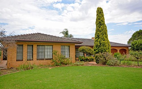 44 Murray Rd, Yoogali NSW 2680