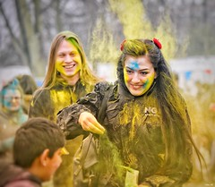 """Would you like some colour on your cheeks""? (Nina_Ali) Tags: holi holi2018 festivalofcolour leicester abbeypark paint vibrant 3march2018 peoplephotography peopleoftheworld smiles fun happiness"