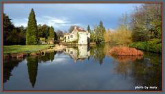 Scotney Castle (maryimackins) Tags: scotney castle kent reflections mary mackins