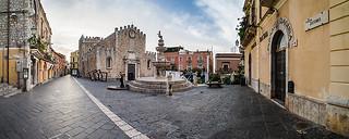 Piazza del Duomo, Taormina