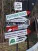 Schilder in Baierbrunn (christophrohde) Tags: signs baierbrunn bayern schilder