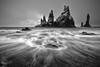 Reynisdrangar (Alfredo.Ruiz) Tags: canon eos6d ef1635 reynisdrangar vik playas arena negra islandia