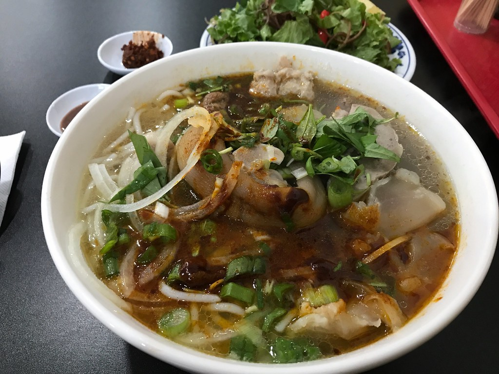 Bun Bo Hue - Mi Quang Mien Trung by mmmyoso, on Flickr