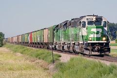BNSF 7827 Arvilla 28 Aug 06 (AK Ween) Tags: bnsf bnsf7827 emd sd402 arvilla northdakota devilslakesub mminsup cascadegreen train railroad