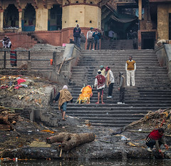 India (mokyphotography) Tags: india varanasi hinduism cremation cremazione canon travel reportage religion religione river fiume gange ghat people persone picture wood legno staircase scalinata indu
