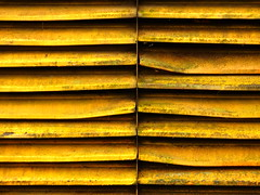 dirty yellow, once sunny (vertblu) Tags: yellow dirtyyellow battered lamellar lines linien dirty horizontal vertical geometric geometrical geometry minimal minimalism minimalismus almostabstract abstractfeel smileonsaturday sunnyyellow decay wornout worn vertblu