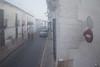 ... Sí quiero acordarme. (elojeador) Tags: calle acera peatón chico chica hombre mujer pareja coche señal stop prohibidoelpaso valla balcón farol persiana almagro reja espejo decuyonombre elojeador