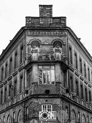Rue Labeda (Robinl81) Tags: toulouse immeuble building monochrome archi architechture nb noiretblanc black white ville town city brique brick