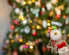 Smile, it´s Christmas time (inma F) Tags: angel christmas navidad adorno ornamentt home casa sonrisa smile tree arbol cristal corazon heart lookingcloseonfriday angeles angels bokeh macromondays holydaybokeh
