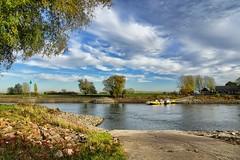 Zicht op Bronckhorst (Truus) Tags: bronckhorst water luchten herfst