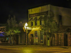 NIGHTSHOT (photogtom43) Tags: pointshoot aperturepriority downtownpanamacity florida nightphotography building beautyshop outdoors autofocus artificiallight streetlight nikoncoolpixp600