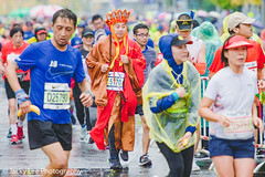LD4_0365 (晴雨初霽) Tags: shanghai marathon race run sports photography photo nikon d4s dslr camera lens people china weekend november 2018 thousands city downtown town road street daytime rain staff