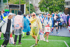 LD4_0771 (晴雨初霽) Tags: shanghai marathon race run sports photography photo nikon d4s dslr camera lens people china weekend november 2018 thousands city downtown town road street daytime rain staff