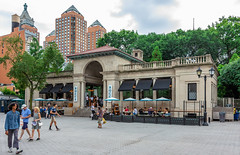 Bocce (Eridony (Instagram: eridony_prime)) Tags: newyorkcity newyorkcounty newyork nyc manhattan midtown unionsquare park publicsquare restaurant