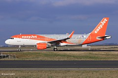 20181214_OE-INQ (sn_bigbirdy) Tags: cdg lfpg roissycharlesdegaulle aéroportcharlesdegaulle spotting planespotting easyjet oeinq logojet 20yearofeasyjet airbus a320 a320200 sharklets fortakeoff09r easyjeteurope
