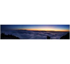 Moments i llocs màgics (enric riba segura) Tags: montserrat catalunya sunrise albada boira