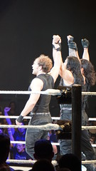 2014-05-22_22-32-42_ILCE-6000_DSC02329 (Miguel Discart (Photos Vrac)) Tags: 2014 274mm 6persontag catch combatdelutte curtisaxel deanambrose e55210mmf4563oss focallength274mm focallengthin35mmformat274mm highiso ilce6000 iso3200 lutte mainevent randyorton romanreigns ryback sethrollins sony sonyilce6000 sonyilce6000e55210mmf4563oss sport wrestling wrestlingmatch wwe wwemainevent