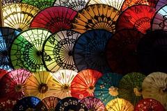 ombrelles birmanes (Patrick Doreau) Tags: ombrelle birmane burma myanmar couleurs colors colores umbrella orient asie asia