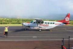 Mokulele Cessna Grand Caravan N835MA (gooey_lewy) Tags: aircraft hawaii hawaiian islands aviation plane transport mokulele cessna grand caravan n835ma airlines single engine island hopper commuter maui ground crew wave good by departure