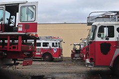 Ex-FDNY Ladders (Triborough) Tags: nj newjersey middlesexcounty eastbrunswick fdny newyorkcityfiredepartment firetruck fireengine ladder ladder705 seagrave tiller tda