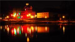 The bay of Eutin with the castle at night (Ostseetroll) Tags: deu deutschland eutin eutinerschlosspark geo:lat=5413947106 geo:lon=1061726242 geotagged schleswigholstein schloss castle see lake nachtaufnahme nightshot spiegelungen reflections olympus em5markii