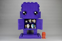 LEGO Monochrome Giant BrickHeadz in Dark Purple (Pasq67) Tags: lego monochrome afol toy toys flickr legography pasq67 brickheadz red france 2018 moc darkpurple dark purple giant factory brickpirate