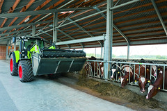 CLAAS Arion (Static Phil) Tags: claas arion tractor farmworks
