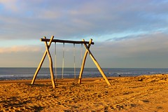 2018 - 11 Noordwijk (Steenvoorde Leen - 11.3 ml views) Tags: 2018 noordwijk strand kust kuste beach noordwijkaandezee schommel badplaats zuidholland