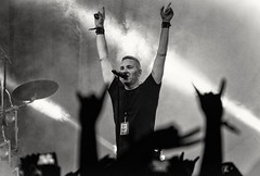 **Poets of the Fall**   002 (subhojitchoudhury) Tags: singer vocalist poetsofthefall potf nh7weekenders nh7weekenderskolkata nh7 kolkata canon77d canon candid blackwhite bw monochrome monochromelove livemusic liveconcert concert
