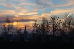 Sunrise behind the church (jan.vd.wolf) Tags: amersfoort utrecht nederland nl kerk zonsopgang sunrice church morning ochtend sky wolken cloud hoogland