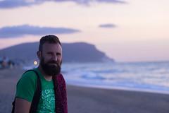 Alba al mare (Martiale) Tags: conero marche alba mare spiaggia asciugamano dawn sea shore barba beard ritratto panorama seascape cloudscape