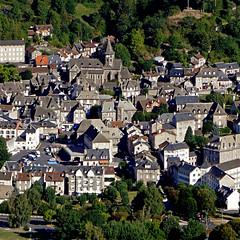Vic-sur-Cère, Cantal, France (pom'.) Tags: panasonicdmctz101 august 2018 cantal auvergne auvergnerhônealpes massifcentral 15 100 200 france europeanunion aurillac vicsurcère rocherdespendus coldecurebourse 300