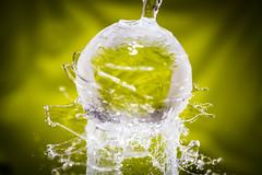 PRMM6231.jpg (martinpmayer) Tags: bunt flickrheroes inexplore colours art wasser heroes splash explore red gelb kunst rot nass wet farben colors green grün yellow glaskugel lensball
