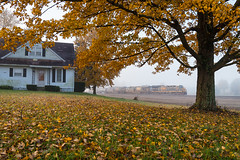 New Farmington, Indiana (Nolan Majcher) Tags: csx csxt new farmington in indiana q576 ge et44ah