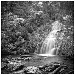Helton Creek Falls - Blairsville, GA (1084) (jim fleckenstein) Tags: northgeorgia hike double bw blackandwhite wideangle wide nd filter ndfilter canon eos 18mm efs1018mm