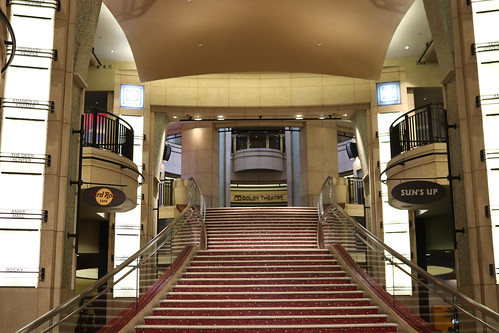 "Grand Staircase at the Dolby Theater • <a style=""font-size:0.8em;"" href=""http://www.flickr.com/photos/28558260@N04/30863458527/"" target=""_blank"">View on Flickr</a>"