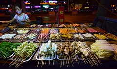 Anting - Street BBQ Choices (cnmark) Tags: china shanghai jiading district anting town street strasse moyuroad bbq barbecue food skewers meat vegetables sausages mushrooms gemüse fleisch pilze würstchen spiese night light nacht nachtaufnahme noche nuit notte noite 中国 上海 嘉定区 安亭镇 墨玉路 烧烤 ©allrightsreserved