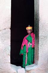 Fête de Timkat - Lalibela (jmboyer) Tags: eth5812 lalibela timkat fêtedetimkat canon voyage travel afrique africa lonely gettyimages nationalgeographie tourism lonelyplanet canoneos ©jmboyer photo géo 6d yahoo flickr ethiopie etiopia eos afriquedelest eastafrica imagesgoogle googleimage impressedbeauty nationalgeographic viajes photogéo photoflickr photosgoogleearth photosflickr photosyahoo canonfrance picture photography ethiopia etiopija portrait visage face googlephotos googleimages retrato canon6d photos photoyahoo ኢትዮጵያ አፍሪቃ äthiopien