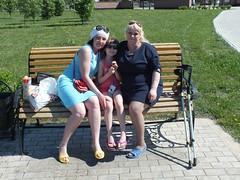amp-1779 (vsmrn) Tags: amputee woman crutches onelegged pantyhose nylon