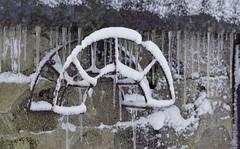 Fångade droppar (tusenord) Tags: frihet fs190203 fotosöndag fotosondag freedom ice snow cold icicles rust