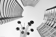 Mailand Porta Nuova 3 bw (rainerneumann831) Tags: mailand portanuova architektur abstrakt lookup linien bw blackandwhite blackwhite ©rainerneumann