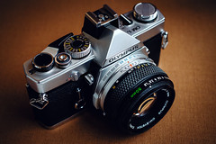 Olympus-OM-1. Miracle of engineering and design thought of the Japanese engineer Yoshihisa Maitani. Produced from 1973 to 1979! (vzotov.doc) Tags: olympusom1 miracle engineering design thought japanese engineer yoshihisa maitani produced from 1973 1979 fujifilm xt1 xf35mmf14 r filmcamera vladimir zotov