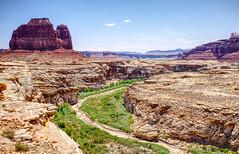 Glen Canyon, UT (mktdg) Tags: usa united states america glen canyon utah valley desert butte rocks stack
